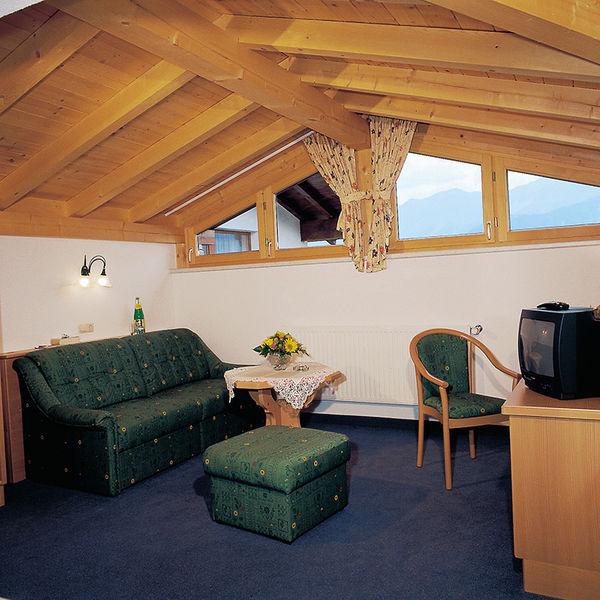 Familienzimmer: Komfortzimmer Im Hotel Elfriede In Serfaus